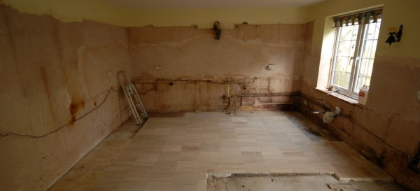 The kitchen is now ready for the new kitchen units which will be fitted on Monday 10th March