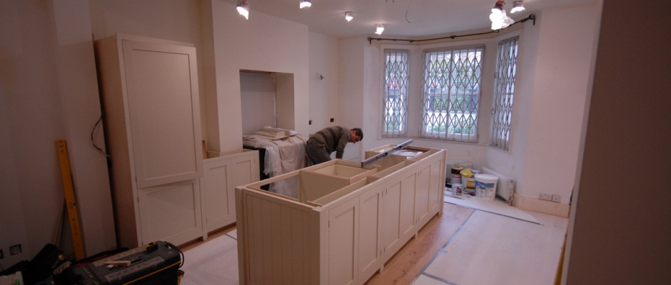 Fitting the kitchen in London