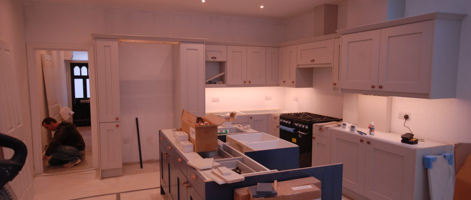 Fitting the new kitchen for this Earlsfield project...
